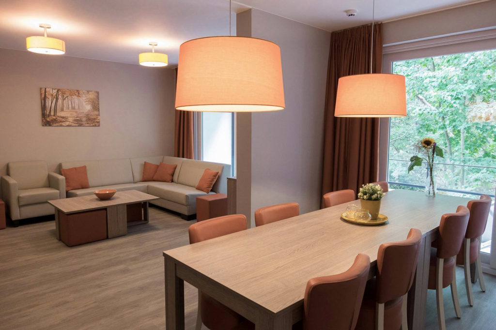 Holiday-Suites-limburg-tweede-verblijf-vakantie-koop-appartement-eetkamer